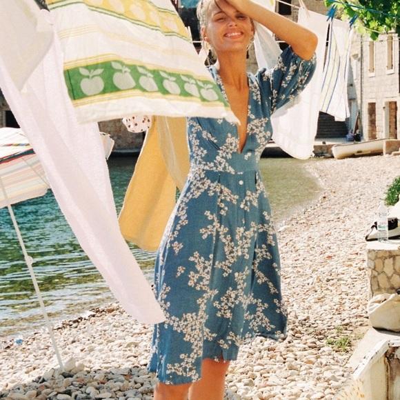 NWT FAITHFULL Chloe Midi Dress in Cornflower Blue
